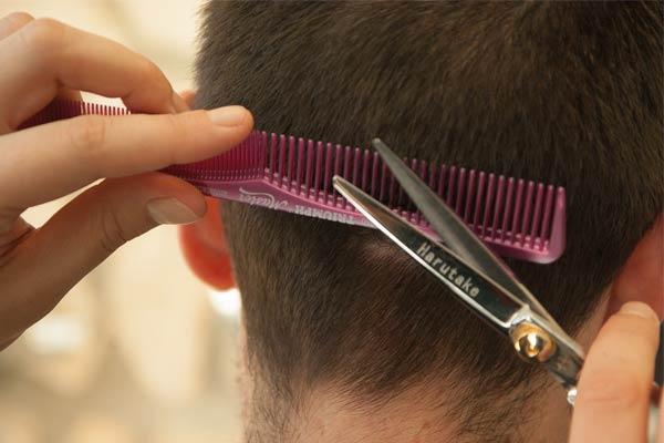 coupe peigne ciseaux